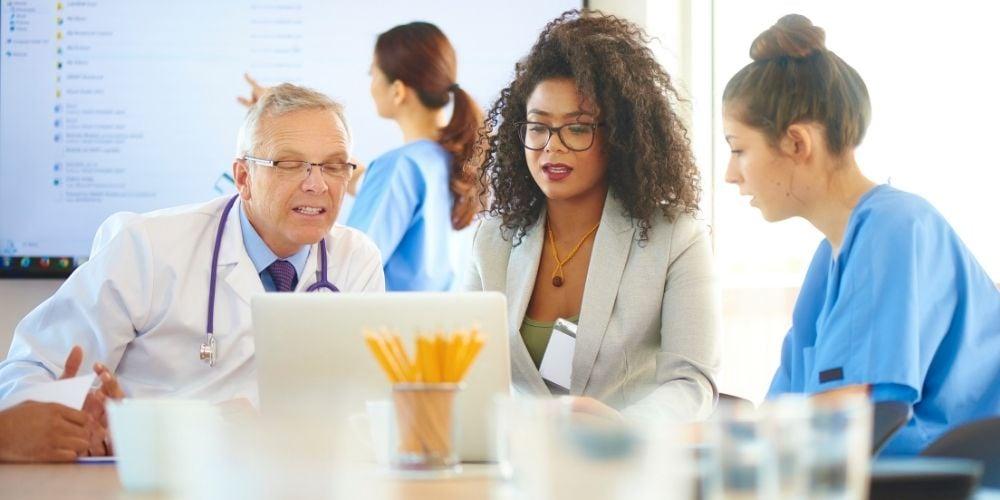 Doctors-brainstorming